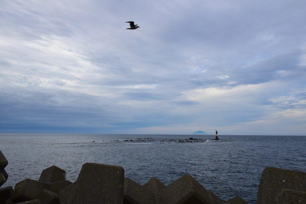 天売島の最北に位置するゴメ岬